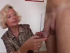 Italian Granny enjoys 2 cocks porn video