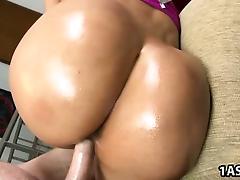Big booty Cielo gets fucked