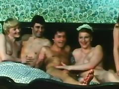 Stunning retro gourp sex scene with prettyu pretty babes