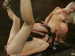 Gorgeous blond Lorelei Lee is to painsult Emma Haize