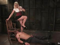 Billy licks Lorelei Lee's cunt before she whips him hard