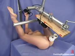 Crissy Sparks gets amazingly banged by a fucking machine porn video