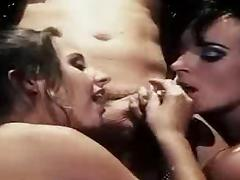 Franki and Poppi Anal Threesome