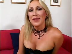 Sexy Blonde MILF Mandy Bright Enjoys In Wild Gang Bang