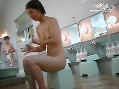 Naked Asian doll is erotically washing under her armpits 03131 porn video