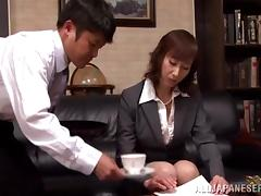 Japanese milf gets her pussy eaten out
