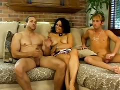 Samantha Roxx gets face-fucked by two bisexual men and enjoys it