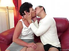 Naughty Mature Granny Gets Her Hairy Pussy Hammered