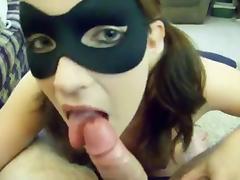 belle suceuse avec masque