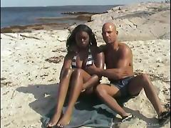 Ebony Gets A Big Cumshot After Fucking On The Beach