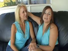 Jessica and Lauren fap each other with dildos