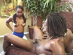 Pretty Nikole Richie Gets Fucked Hard By A Giant Black Cock