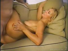 Mature blonde Mia gives a blowjob and gets her cunt smashed
