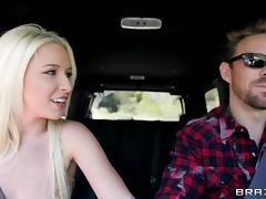 Stevie Shae blows and gets fucked doggy style in a car