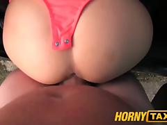 HornyTaxi Prague Beauty gives a great fuck for free taxi ride