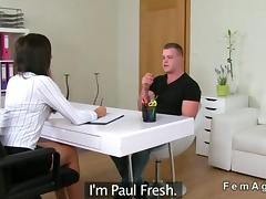 Muscled amateur guy fucks a female agent