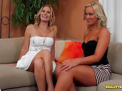 Miniskirt, Cunt, Curvy, Girlfriend, Lesbian, Lick