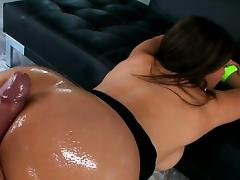 Oral stimulation and vaginal fucking