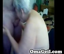 Old woman have a wank big dick by OmaGeil