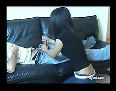 Filipina girl gives handjob