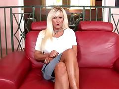 Fake-boobed mature blond Tia Gunn gets her snatch fucked deep