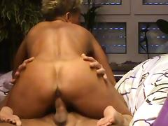 Mature Babe Suck Cock And Get Fucked